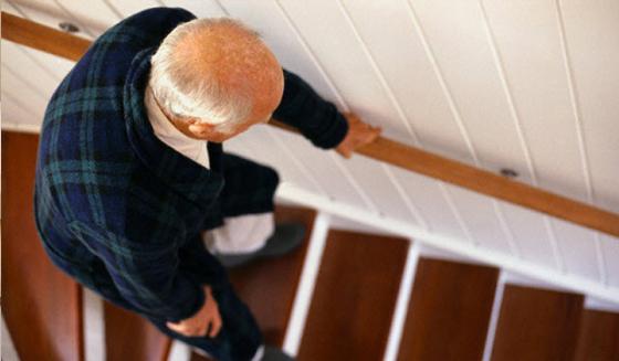 การหกล้มในผู้สูงอายุ..ปัญหาที่ไม่ควรมองข้าม